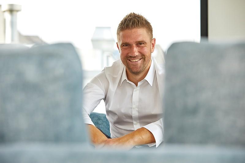 Der ehemalige Fußball-Profi Ivan Klasniċ ist am 2. Juni 2019 im Alstertal-Einkaufszentrum (Foto: David Goltz)