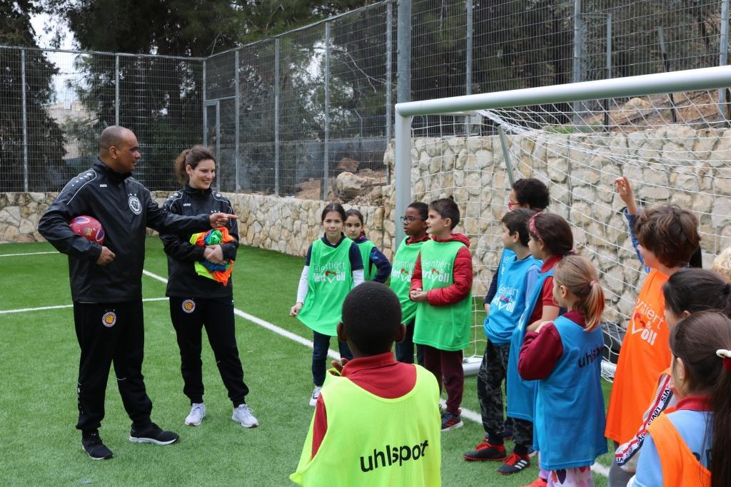 Fußballcamp der Dynamic Soccer School in Jerusalem unter Leitung von Martin Rietsch