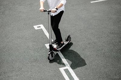 E-Scooter zählen nach wie vor als Elektrogeräte.