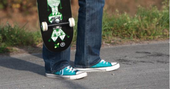 voiXen war in vielerlei Hinsicht aus den Kinderschuhen herausgewachsen und brauchte neue, schlichte Sneaker. Das zeigt sich jetzt im neuen, leichten Design.